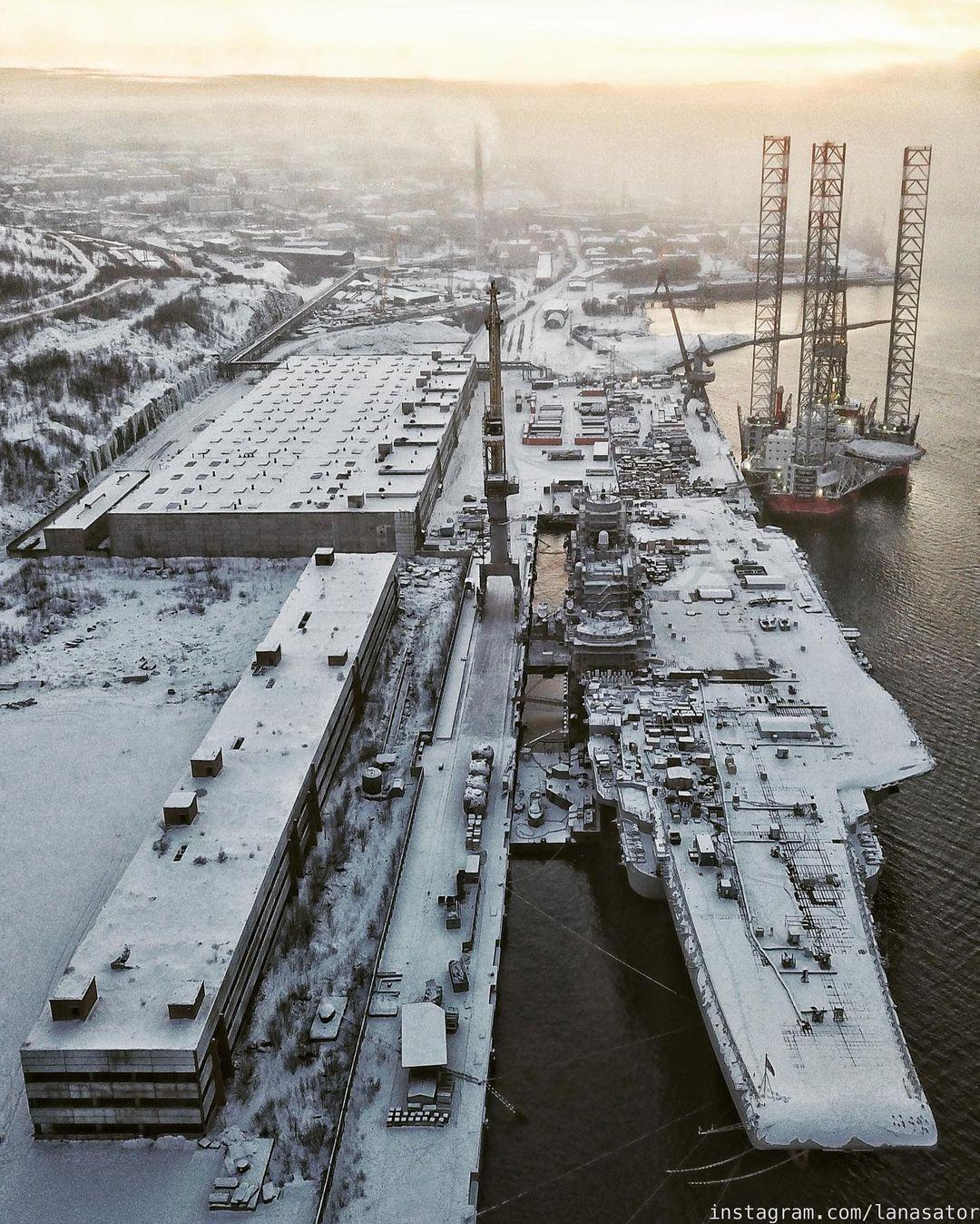 Aircraft Carrier Admiral Kuznetsov: News #2 - Page 31 08-9369973-instapic-48935